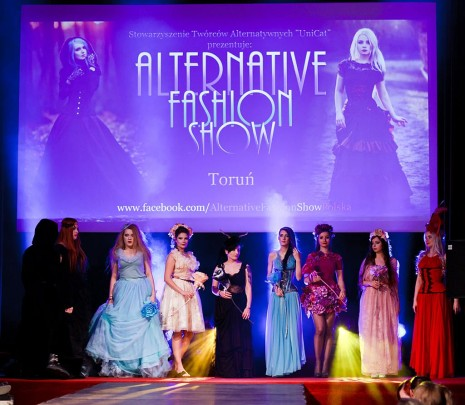 alternative fashion show torun